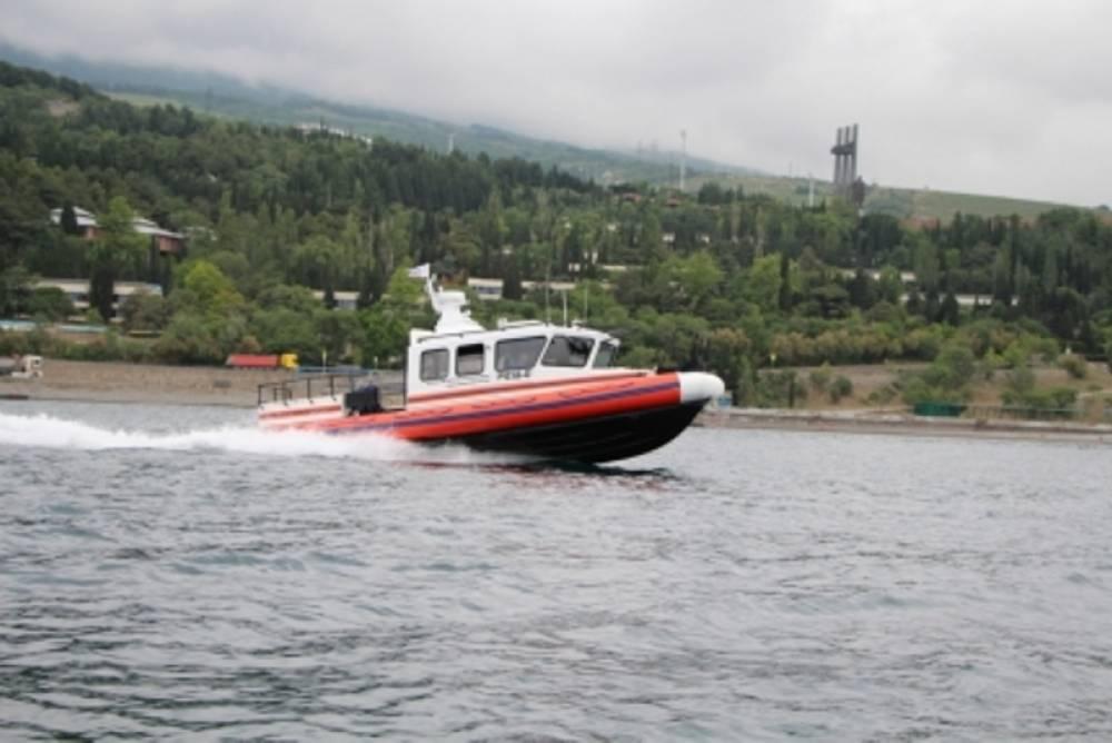 Водолазы спасли в открытом море близ Коктебеля мужчину с ребенком