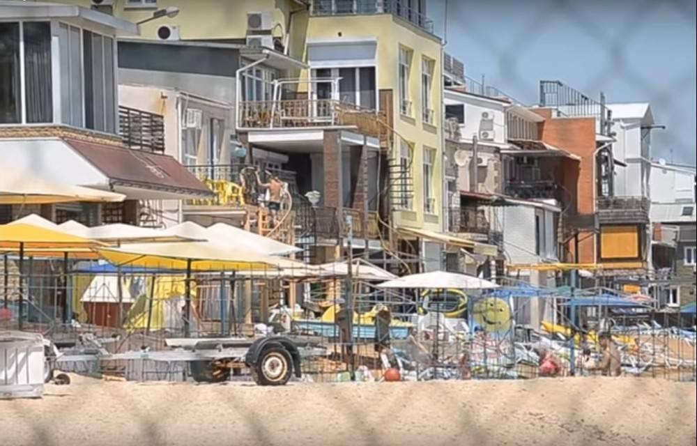 Власти Феодосии разберутся в законности эллингов на Черноморской набережной