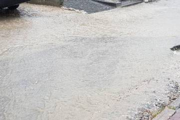 Летний дождь затопил Феодосию (ФОТО)