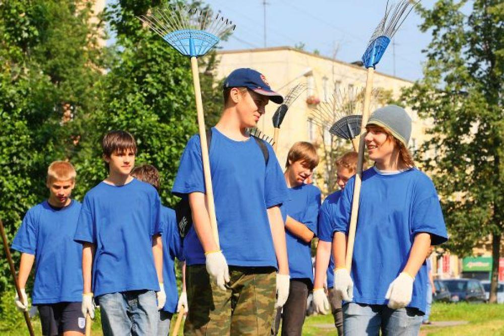 Центр занятости помог найти работу летом феодосийским подросткам