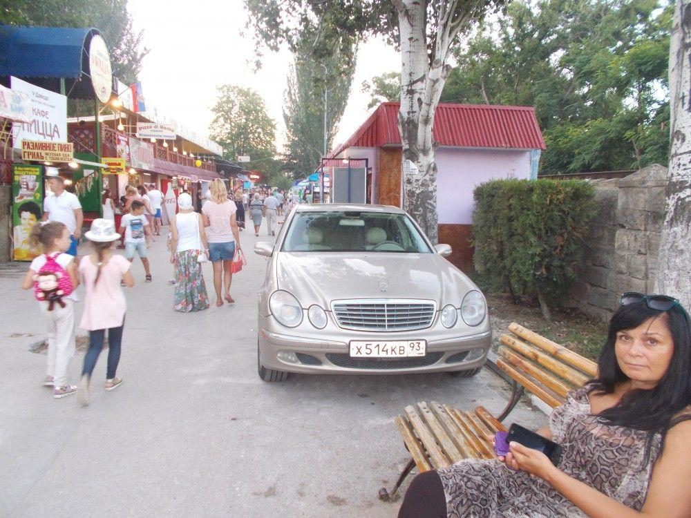 Депутаты Феодосии сами будут ловить автомобилистов в пешеходных зонах