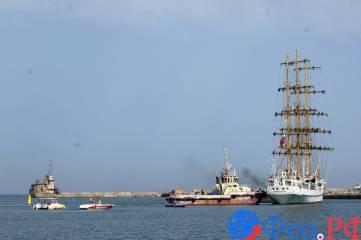 К причалу Феодосийского порта пришвартовался парусник «Херсонес»