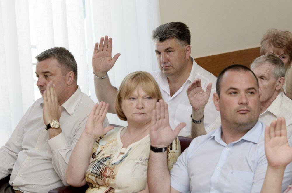 Феодосийские депутаты оставили доходы за бюджетом