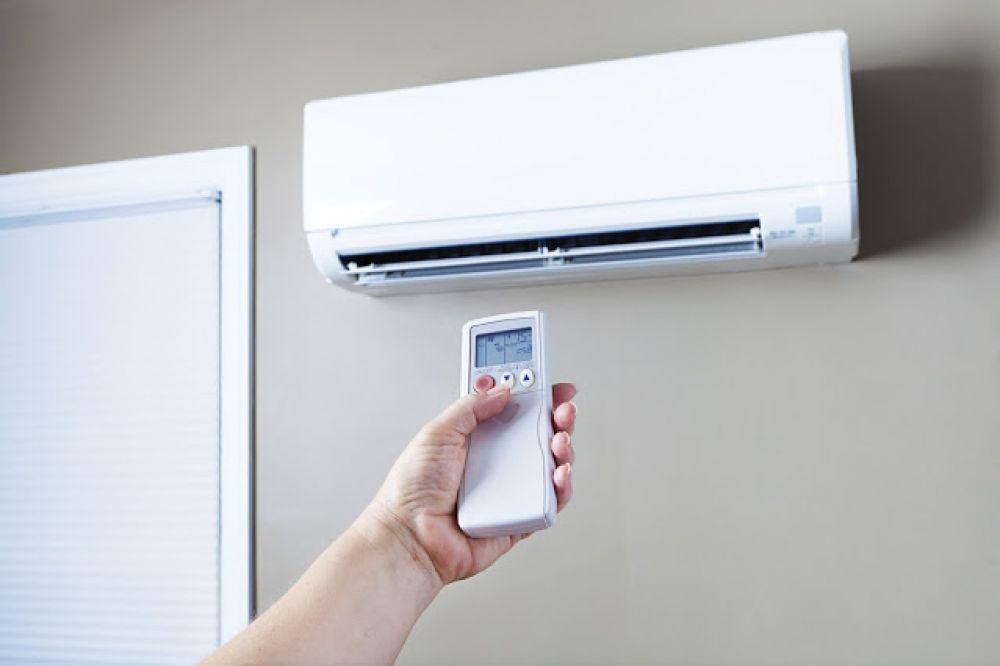 «Крымэнерго» просит экономить электричество: в жару начались проблемы