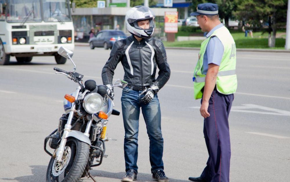 ГИБДД проверяет мотоциклистов: при наличии оснований транспорт будут забирать