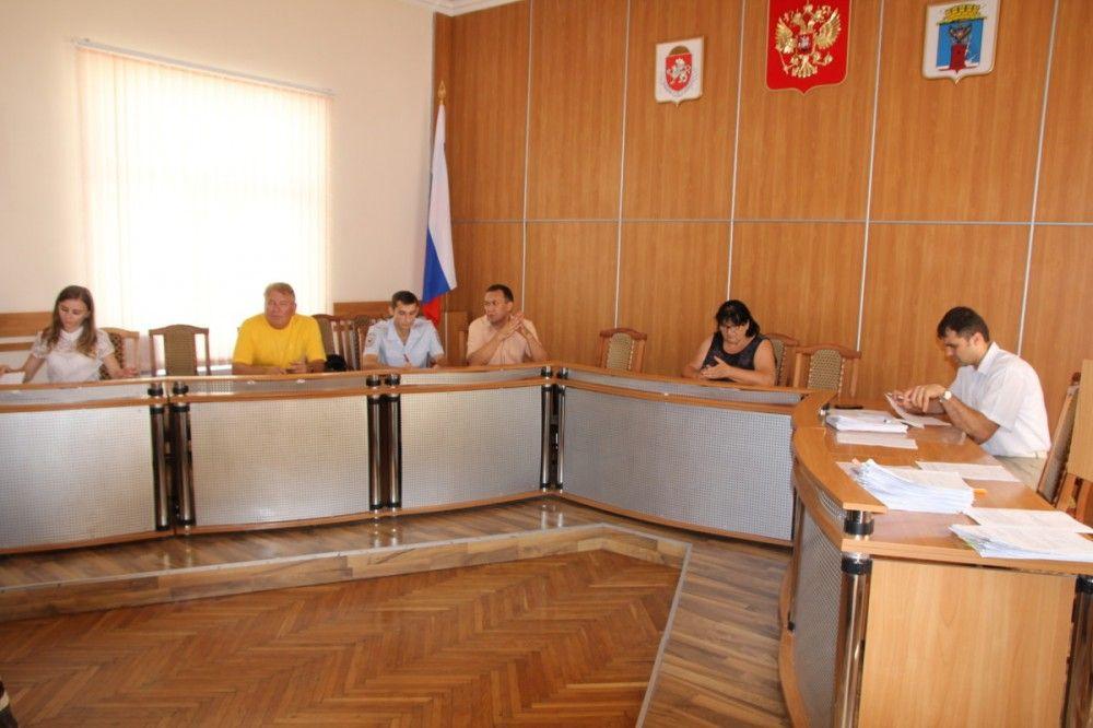 Феодосийская админкомиссия вынесла штрафов почти на 150 тысяч рублей