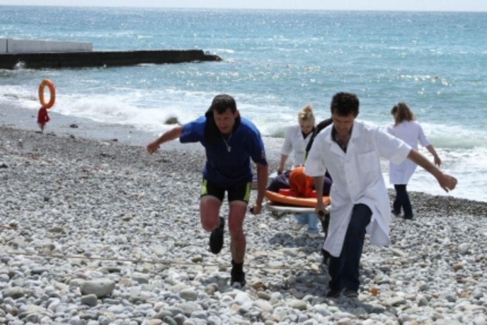 В Коктебеле в море едва не утонул мужчина