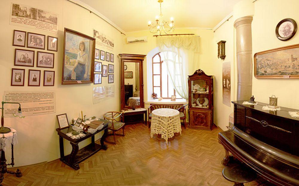 Литературно-музыкальную гостиную в честь Николая Гумилева проведут в Феодосии