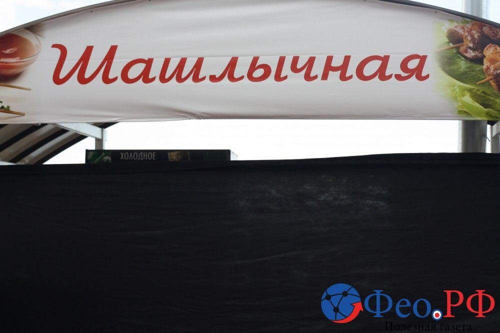 Немного феодосийских «Камешек» и оживленного движения по Горбачева