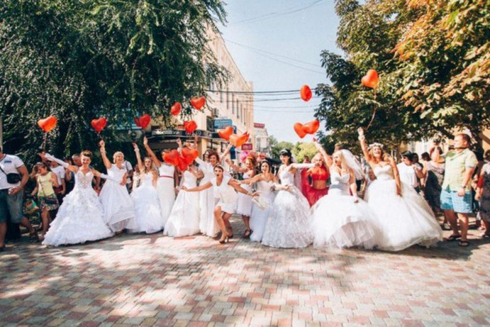 Невесты со всего Крыма соберутся на фестивале в Феодосии