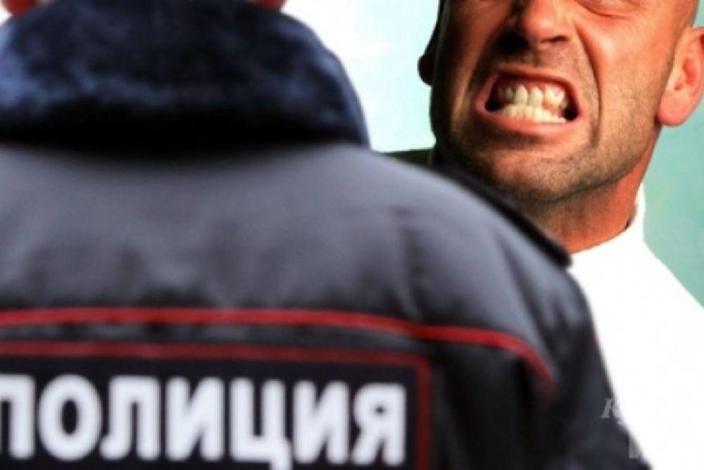 Керчанин два с лишним года проведет в колонии из-за того, что укусил полицейского