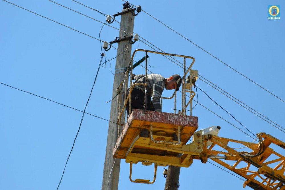 В селах Феодосии ремонтируют уличное освещение