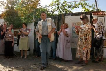 «Подзаборная» выставка в Коктебеле
