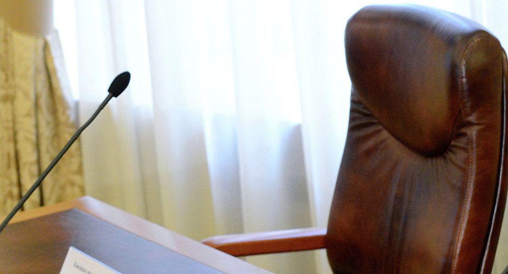 Депутаты отправили в отставку главу администрации Ленинского района