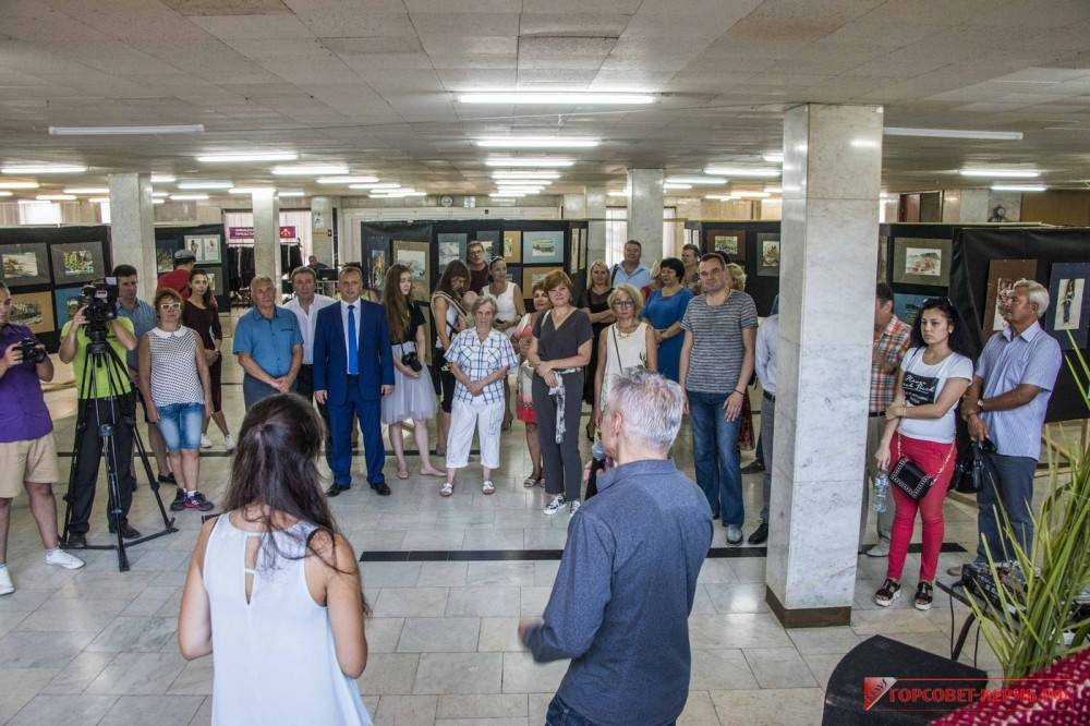 В Керчи презентовали работы творческой мастерской «Лозинский и партнеры» (ФОТО)
