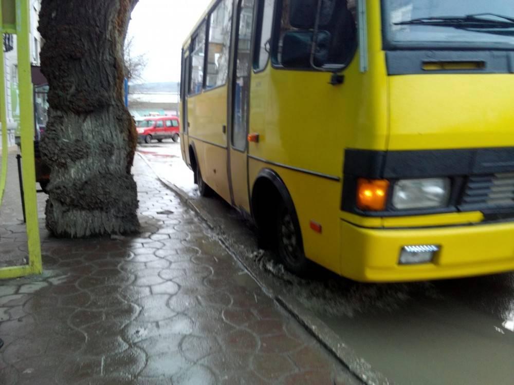 Аксенов поддержал идею конфискации транспорта у перевозчиков за водителей-нелегалов