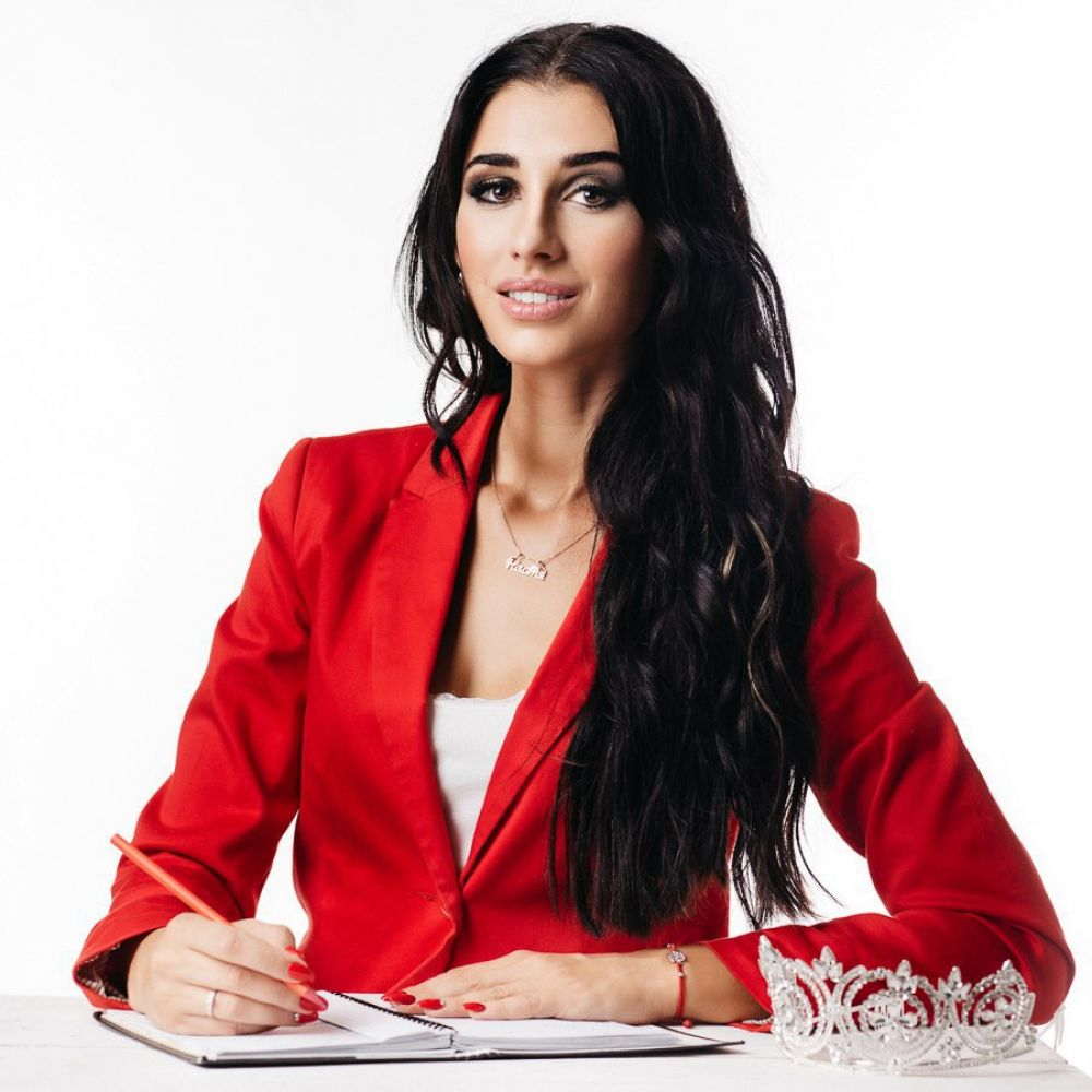 Модель из Керчи поборется за титул «Мисс Офис 2017» и миллион рублей в международном конкурсе красоты