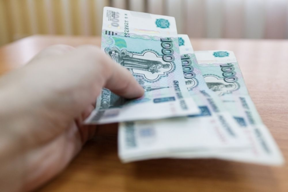 Керчанин пытался оплатить покупку в супермаркете сувенирной банкнотой