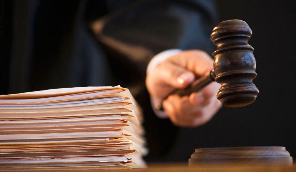 В Керчи мужчина через суд доказывал, что работал на судоремонтном предприятии