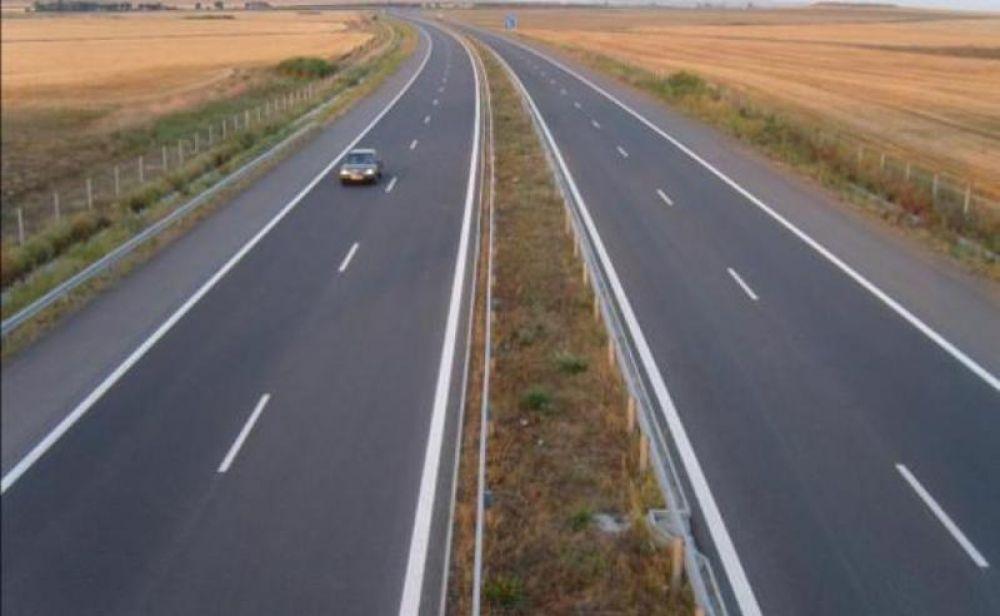 Медведев распорядился запустить движение по автодороге между Крымским мостом и «Тавридой» до 30 мая 2018 года