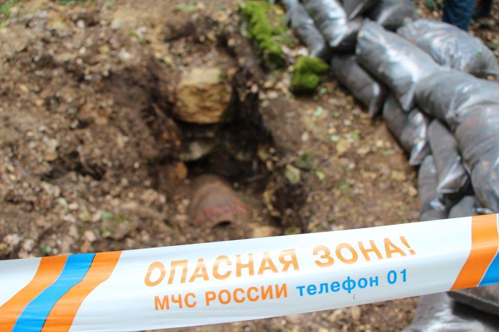 Пиротехники обезвредили три осколочных авиабомбы в Ленинском районе