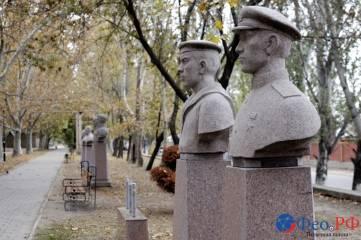 В Феодосии отметили 97-летие со дня рождения легендарного аса и летчика-испытателя