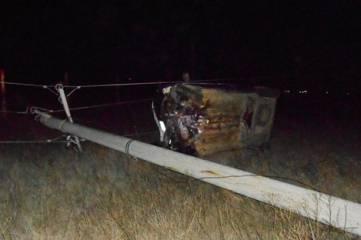 Ночью иномарка сбила опору электропередач в Приморском