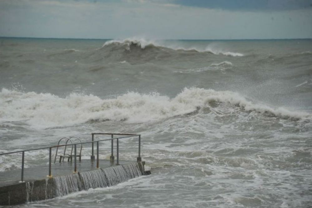 Керченская паромная переправа перешла на работу по фактической погоде
