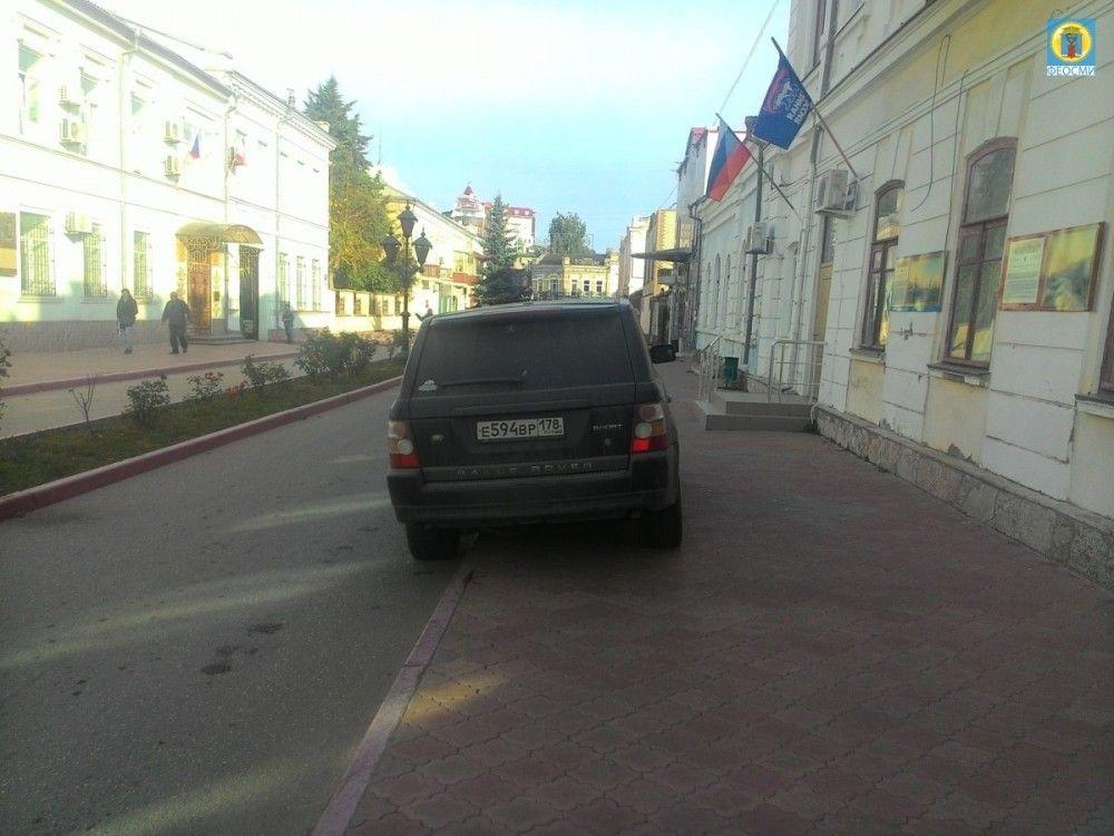 В Феодосии активизировали борьбу с «мастерами парковки»