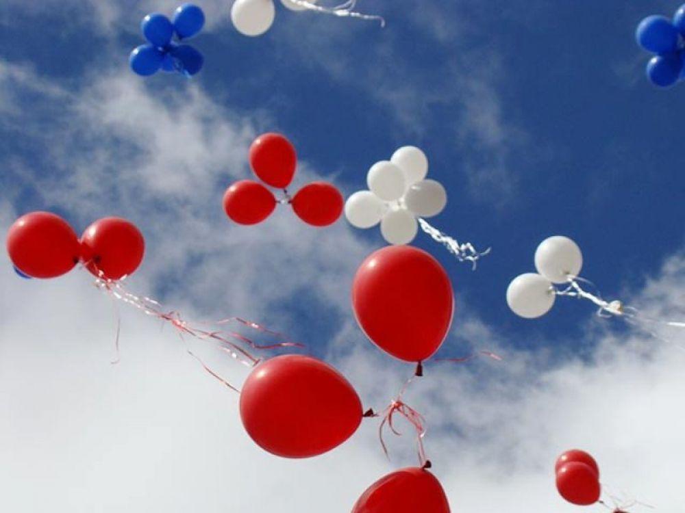 Рыцарские бои, выступление тяжелоатлетов и запуск светящихся шаров ждут гостей праздника в День народного единства в Феодосии