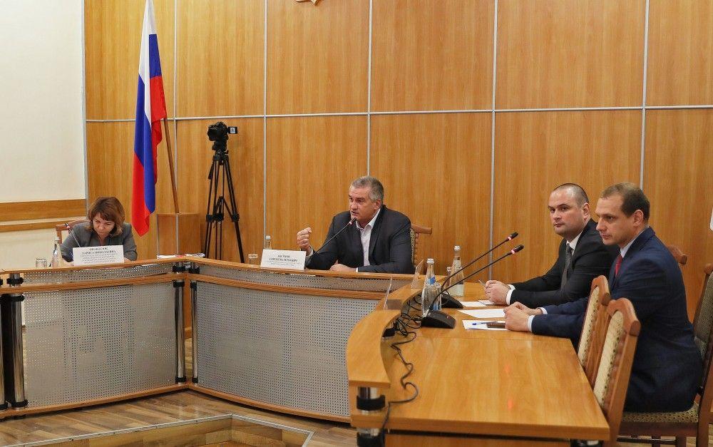 Аксенов подводит итоги выездного приема в Феодосии