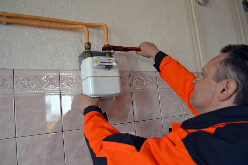 Аксенов поручил разобраться с ценами на проверку и замену газовых счетчиков в Феодосии
