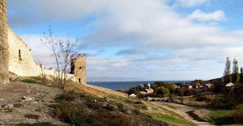 Генуэзские стены