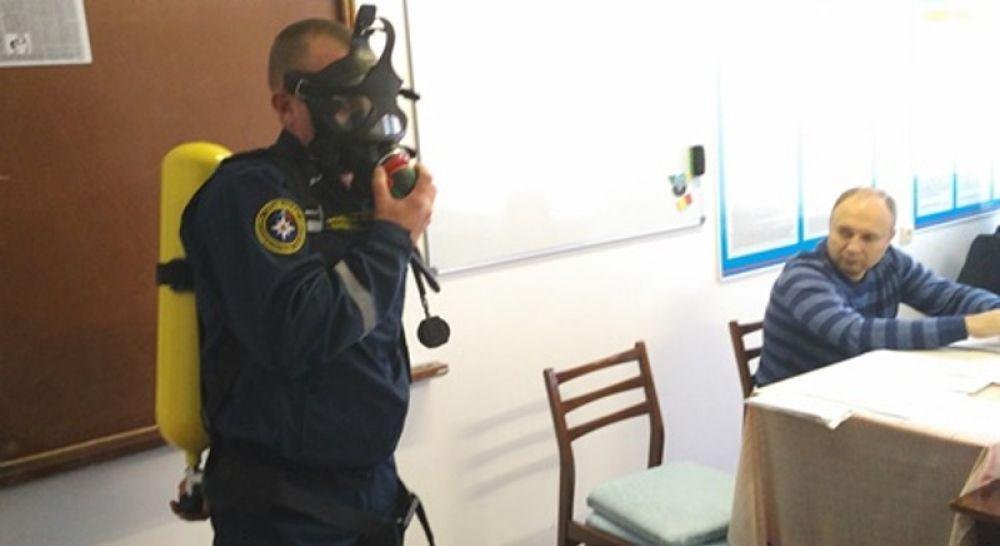 Феодосийские спасатели прошли обучение по профессии «газоспасатель»
