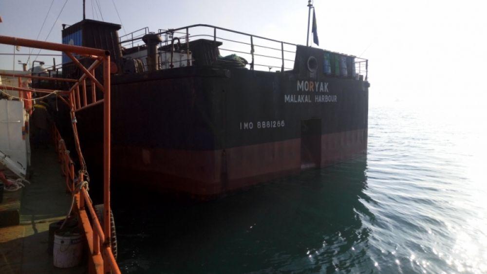 Крымские спасатели оказали помощь нуждающемуся в медпомощи капитану судна «Моряк»