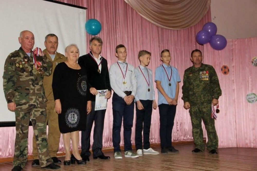 В Феодосии наградили победителей теннисного турнира