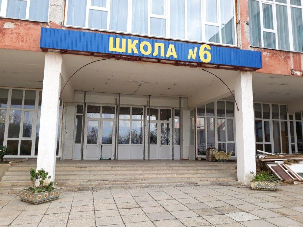 В школе поселка Орджоникидзе продолжается текущий ремонт