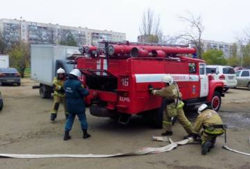 Керченские огнеборцы тушили крупный условный пожар в торговом центре (ФОТО)