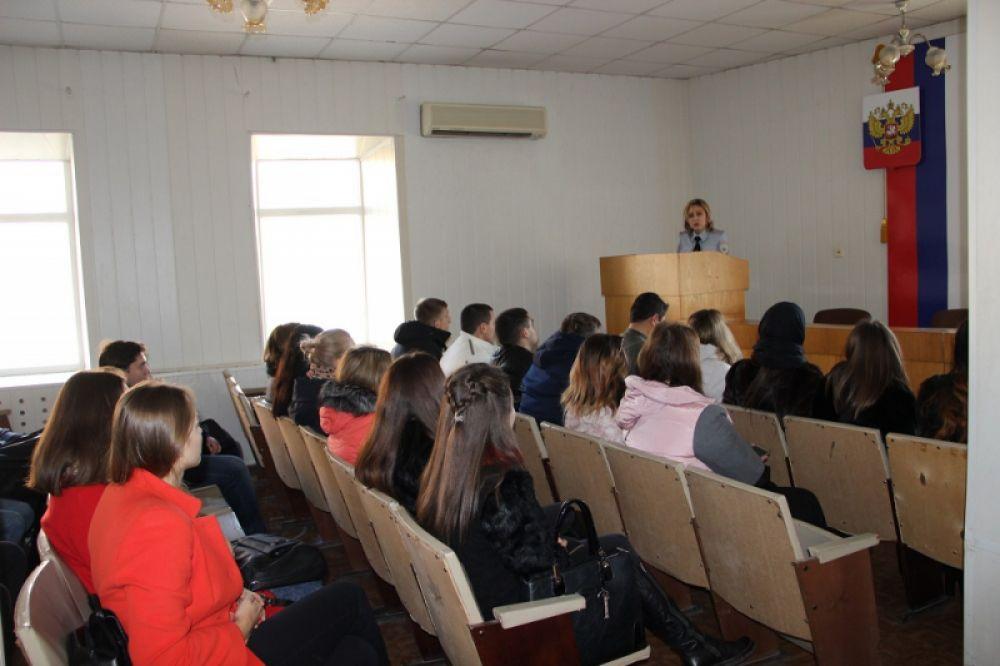 Феодосийская полиция провела день открытых дверей для школьников и студентов (ФОТО)