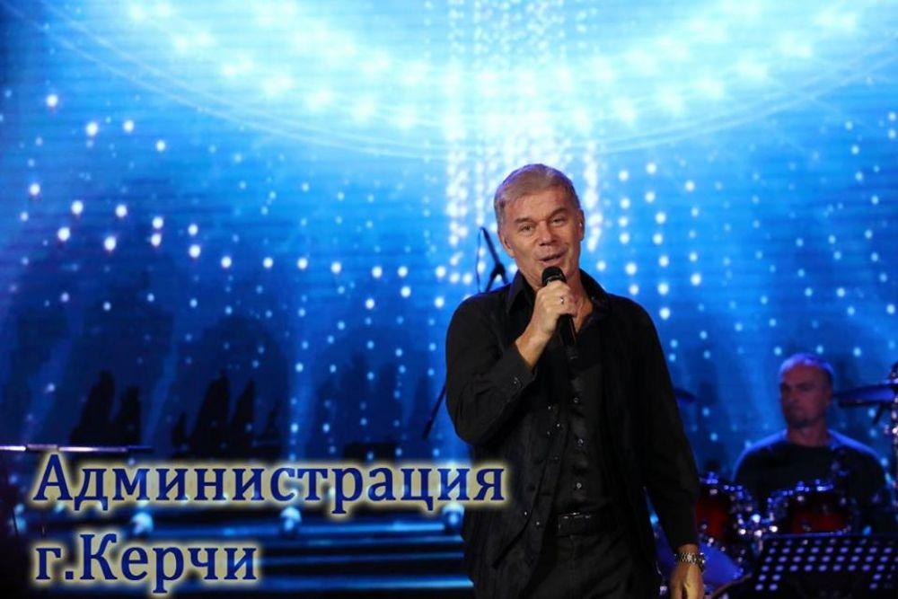 Газманов посвятил концерт в Керчи строителям Крымского моста
