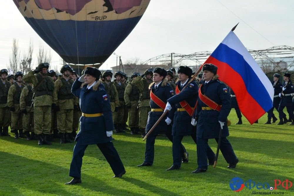 Сердюков, Аксёнов и другие. Большой фоторепортаж с военного праздника в Феодосии