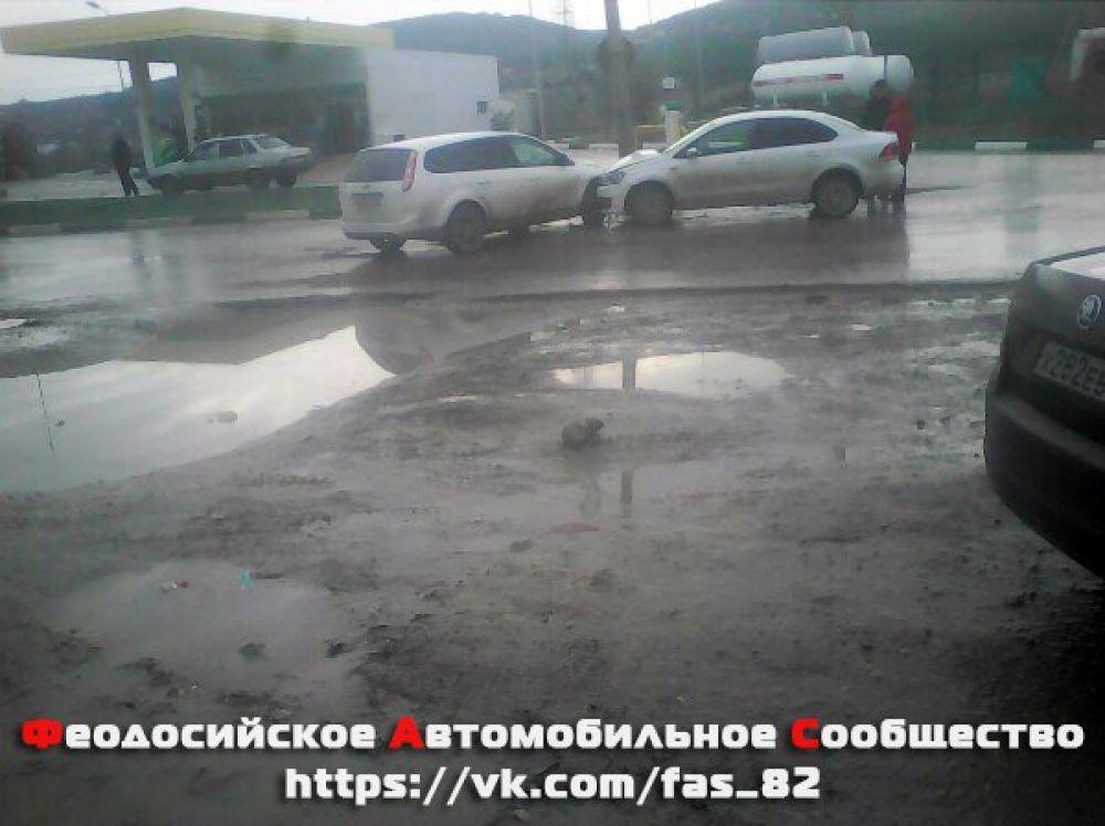Пассажир иномарки пострадал в дорожной аварии в Феодосии