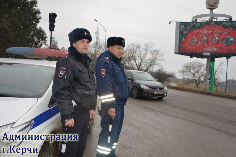 Инспекторы ГИБДД составили около 70 админматериалов в рамках операции «Грузовик» в Керчи (ФОТО)