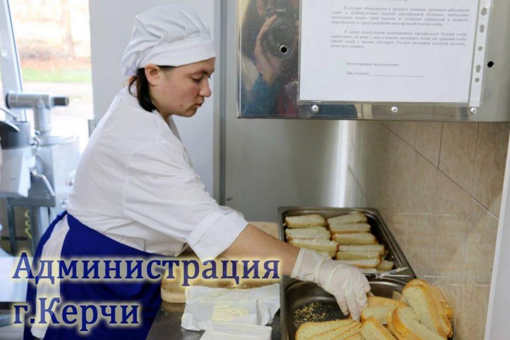 Керченским школам и детсадам пообещали в следующем году больше денег на благоустройство