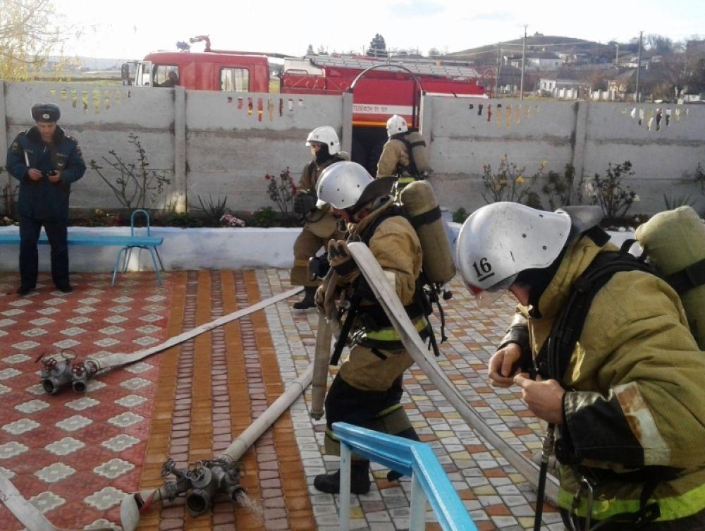 В Керчи тушили условный пожар в храме (ФОТО)
