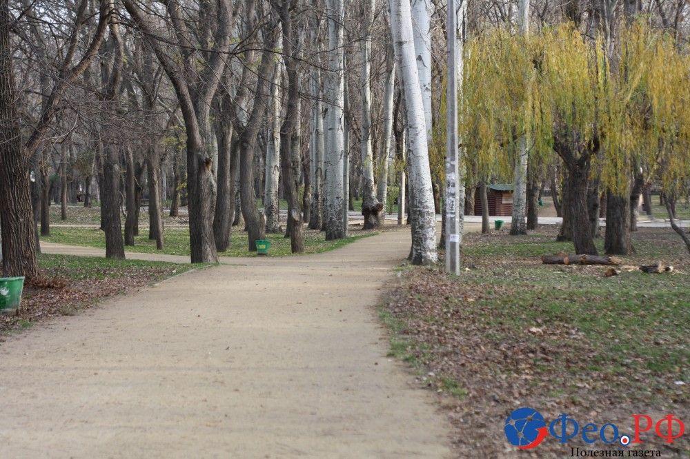 Комсомольский парк и бульвар Старшинова в Феодосии