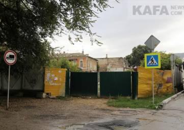Администрация Феодосии проиграла суд за руины табачной фабрики(фоторепортаж)