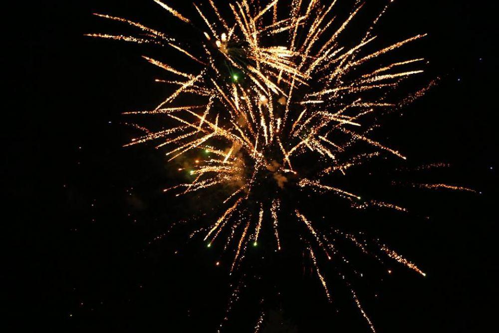 В Керчи зажгли огни на главных городских елках (ФОТО)