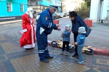 Не простой Дед Мороз, а полицейский