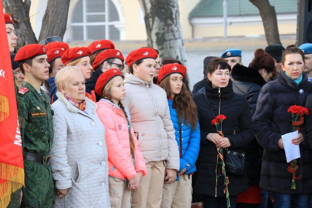 В Феодосии почтили память героев-десантников (ФОТО)